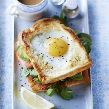Egg-in-the-hole Smoked Salmon and Avocado Toastie